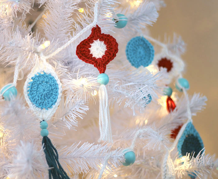 How to crochet christmas ornaments