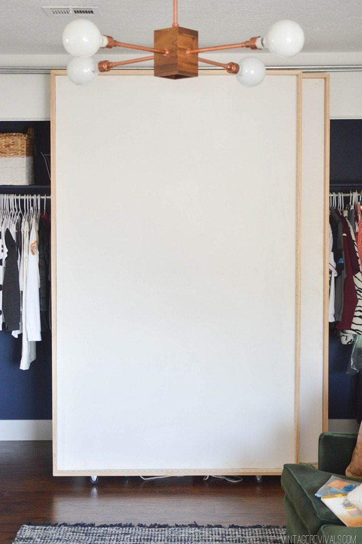 How to organize pants in your closet