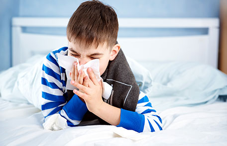 How to treat and prevent a common cold
