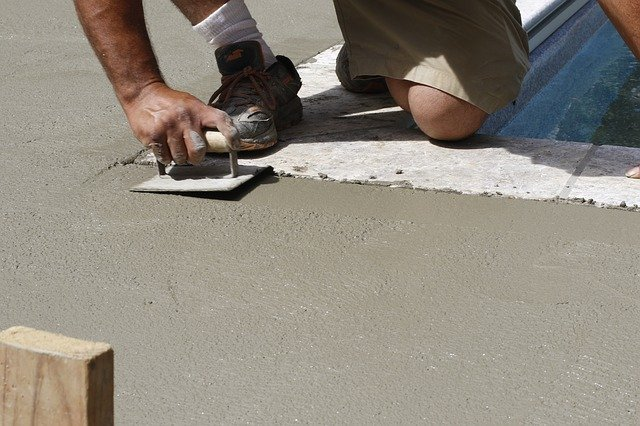 How to choose the right concrete contractor